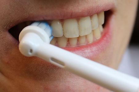 conseils brosser ses dents 2 x par j.JPG