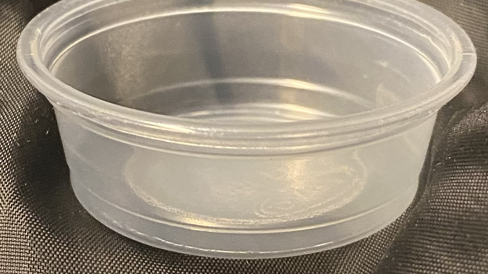 50 count 0.5oz plastic feed dish