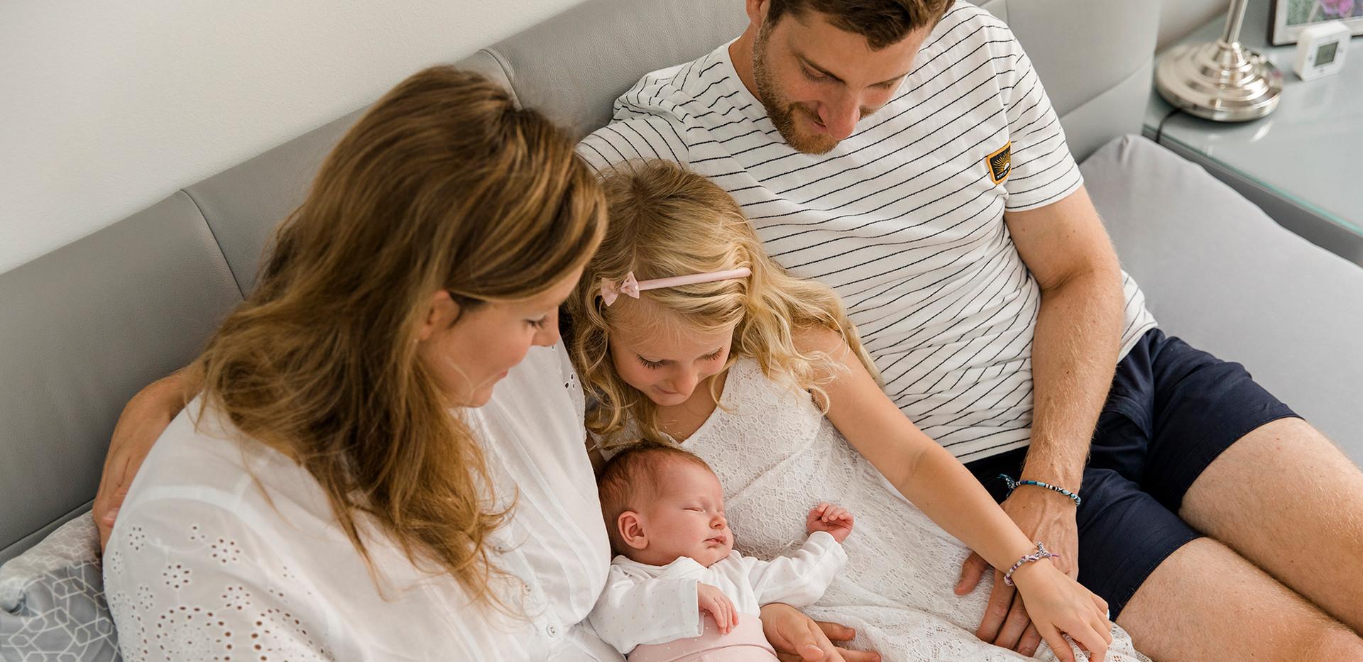 Homestory, Baby Homestory, Lifestyle Fotografie, Familenfoto, Familienshooting zu Hause, Familienfotos, Familienfotos Wien, Familienfotos Korneuburg, Familienfotos Tulln