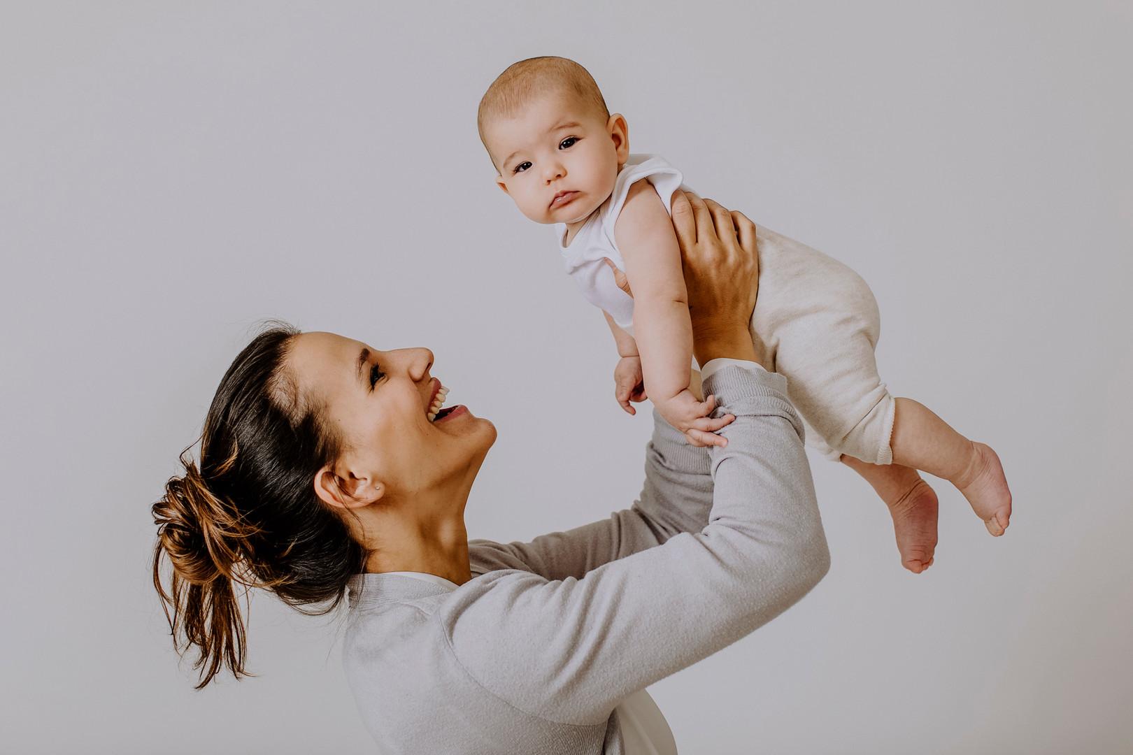 Baby, Babyshooting, Babyshooting in Wien, Babyfotografie, Babyfotos in Wien, Mama und Baby, Famielenfotos, Neiderösterreich, Familienfotografie, Baby, Kinderfotos