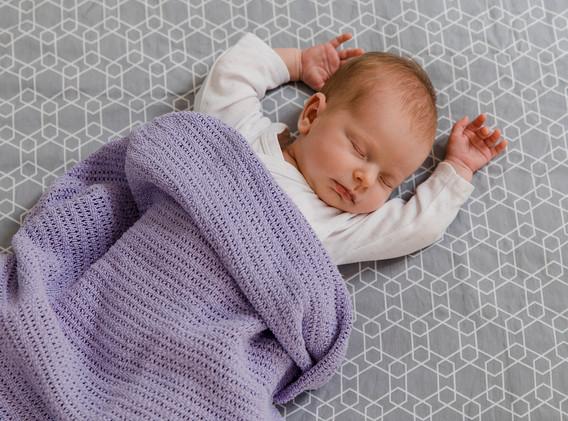 Newborn, Neugeborenes, Baby, kleines Mädchen, Familienfotos, Familienfotos Wien, Familienfotos Korneuburg, Familienfotos Tulln, Babyfotos, Babyshooting, Babyfotografie