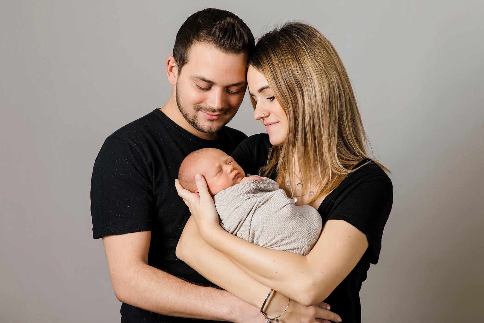 Baby, Newborn, Neugeborenes, Newborn Shooting, Elternfoto, Babyfotos, Babyshooting, Babyfotografie Wien, Babyfotos Niederösterreich, Familienfotos, Familie