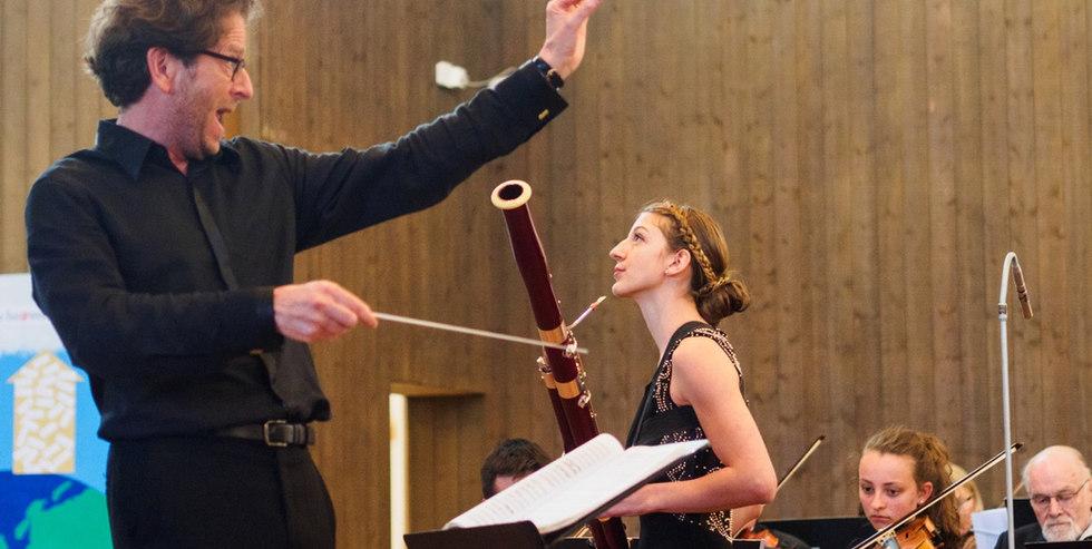 Valeria Curti spielt das Rossini Fagottkonzert mit dem Orchesterverein Wallisellen und Leonardo Muzii