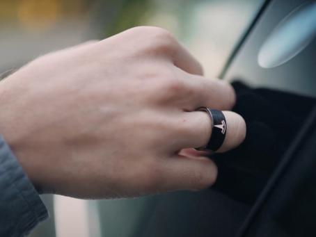 5 reasons to buy Tesla Key Ring