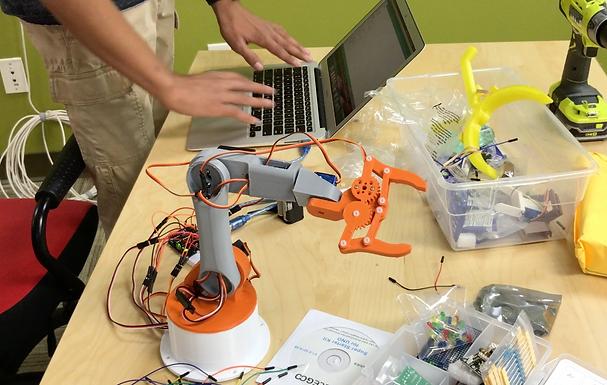 Elite Track - Build an AI Robotic Arm and Mobile Robot