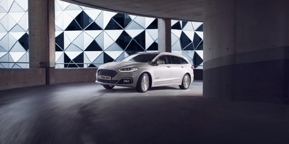 Ford. Mondeo Hybrid