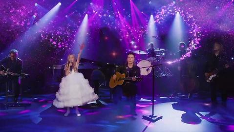 Sam Pio sings live with The Goo Goo Dolls