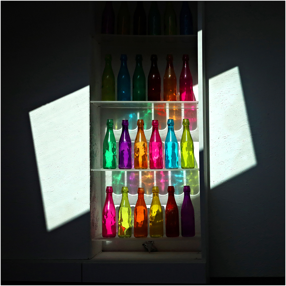"""""""Les bouteilles""""sélectionnée pour figurer dans le n° Hors série #2 oct 2020 OPENEYE webmagazine"""