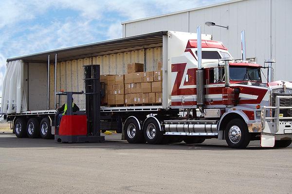 948193-unloading_truck_highreachsmall (1