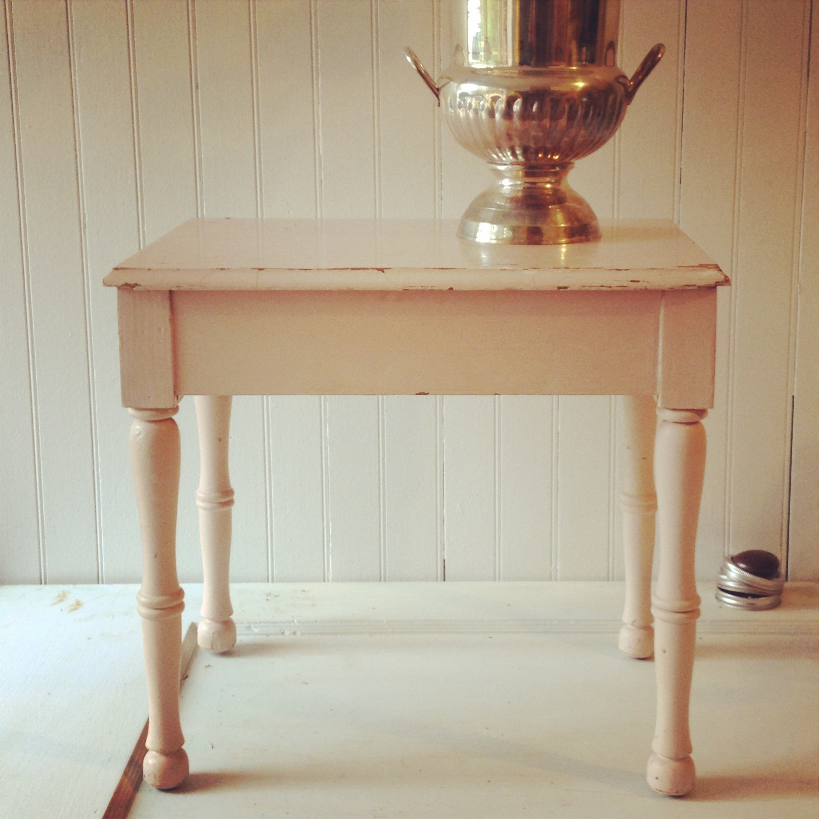 {Annabella Side Table}