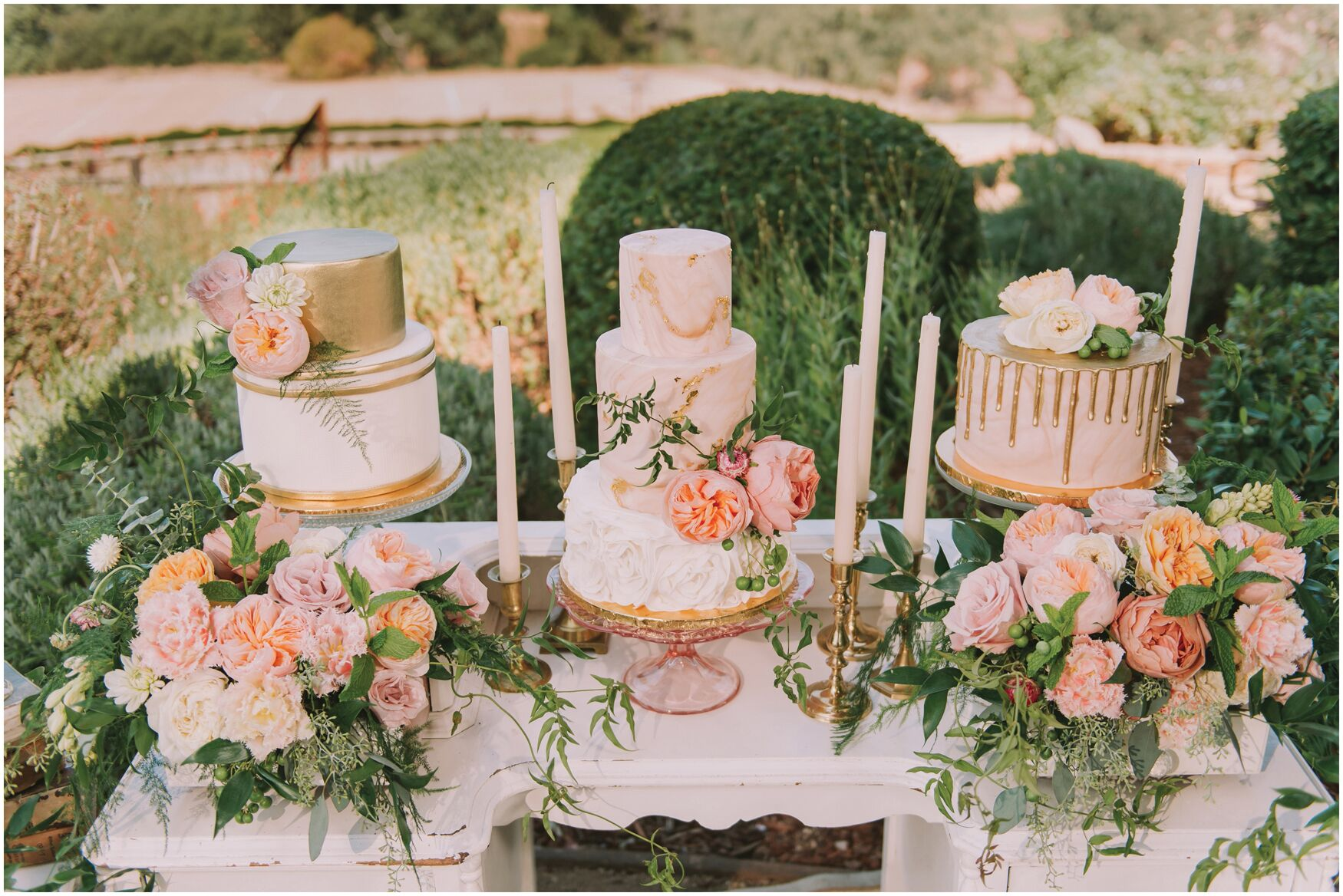 {Clear & Pink Glass Cake Stand}