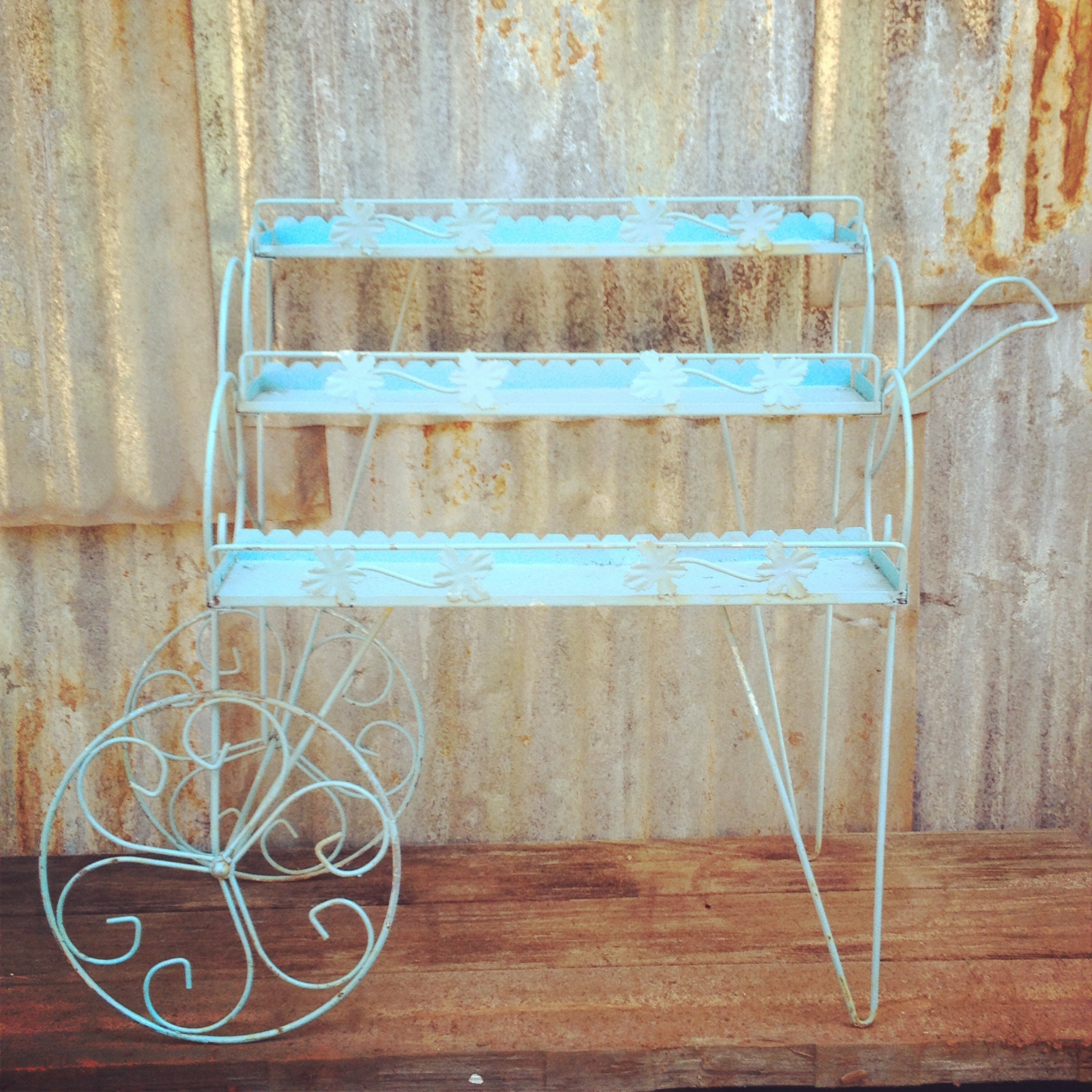 {Amber Flower Cart}