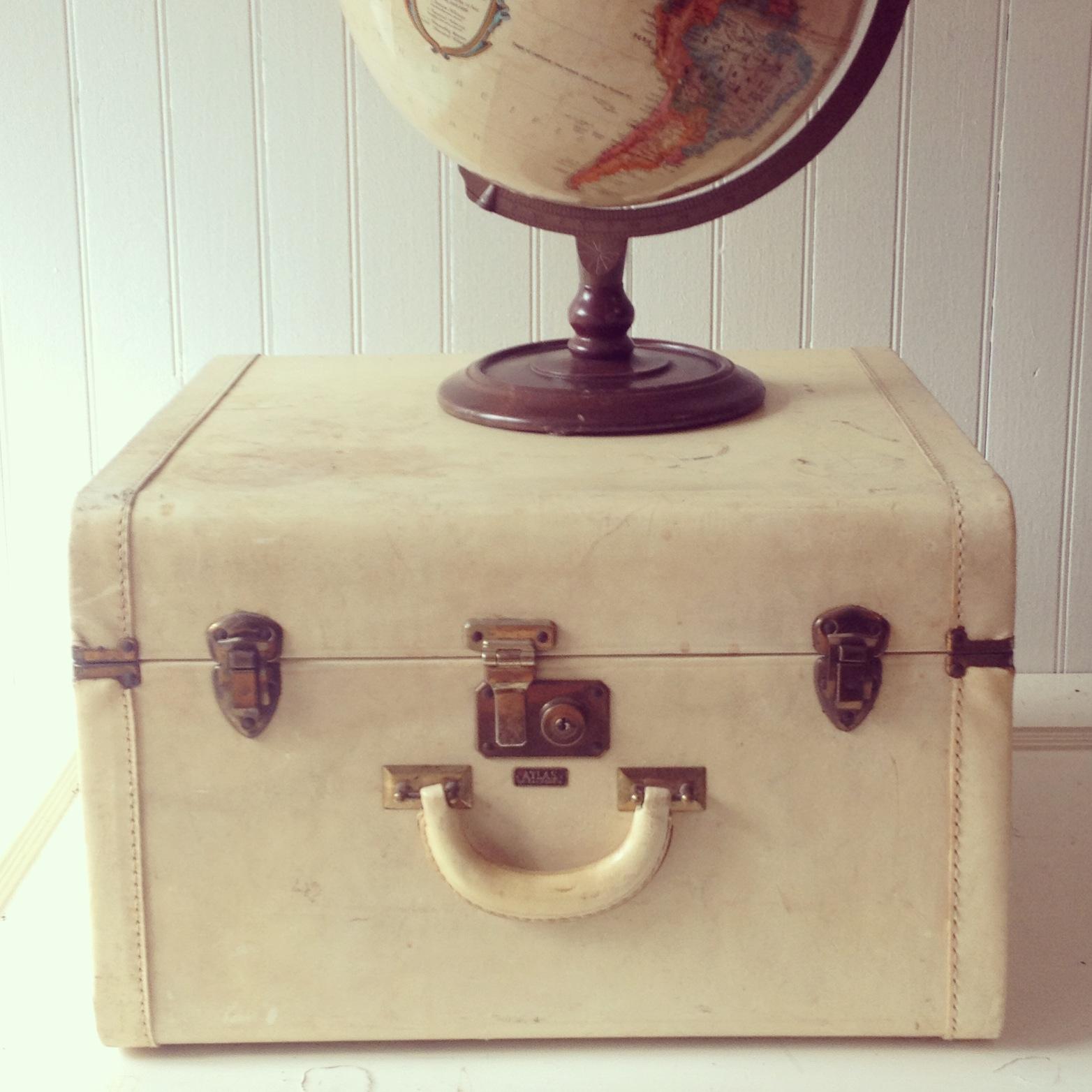 {Hazel Cream Suitcase}