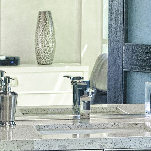 #detail #socal #nikon #decor #style #contemporary #art #artgallery #luxurybath #bathroom #fixtures #