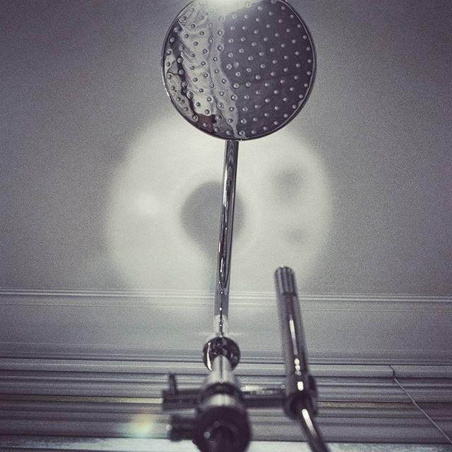#decor #detail #socal #nikon #bathroom #fixtures #cabinet #luxurybath #romansebek #shower #contempor