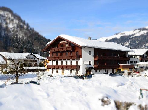 Sonnenhof_Walchsee_Winter_edited.jpg
