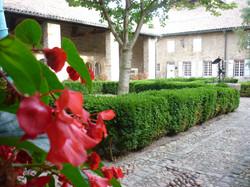 Saint-Philibert de Tournus - Photographie de E Moreau pour Les Visites du Jeune Téméraire