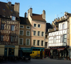 Place Saint-Vincent Chalon-sur-Saône  - Photographie de E Moreau pour Les Visites du Jeune Téméraire