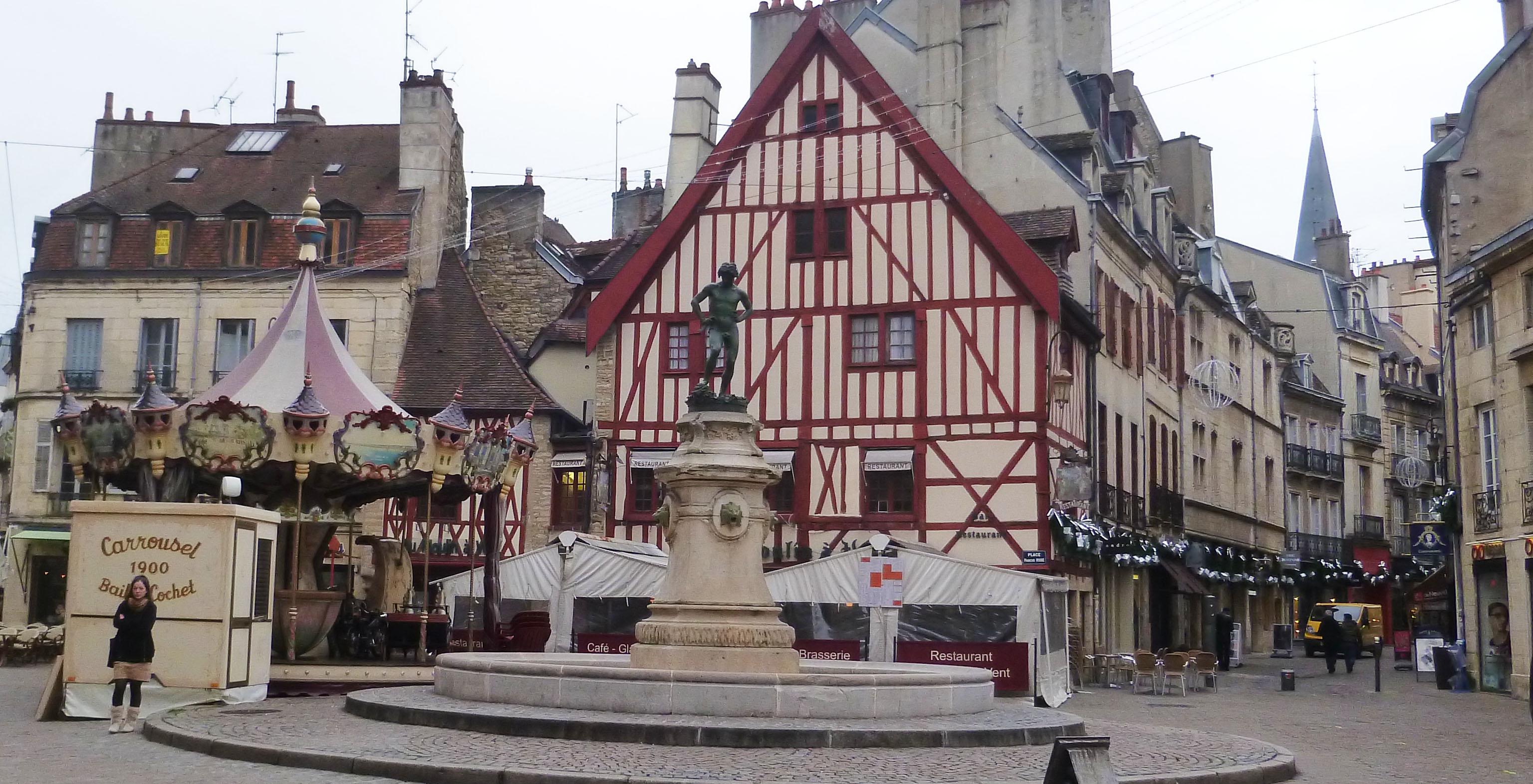 Fontaine du Bareuzai Dijon - Photographie de E Moreau pour Les Visites du Jeune Témérairefontaine-ba