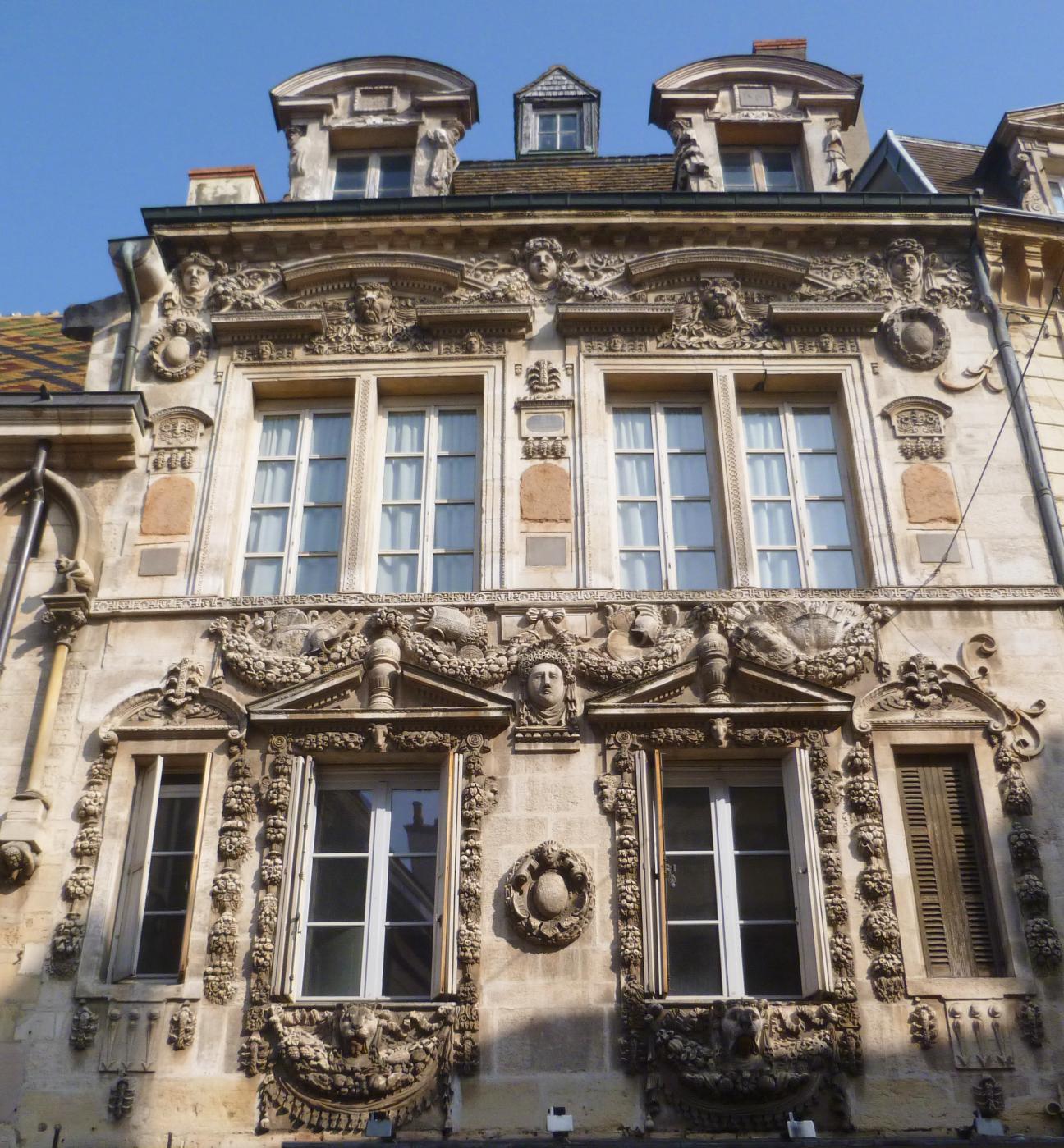 Maison_Milsand_Dijon_-_Photographie_de_C_Moreau_pour_Les_Visites_du_Jeune_Téméraire_edited