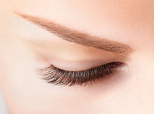 Eyelash & eyebrow tinting by a beauty therapist and a beautician in a Moorooka beauty salon
