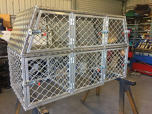 Aluminium dog boxes