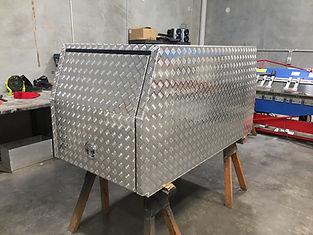 Aluminium half canopies