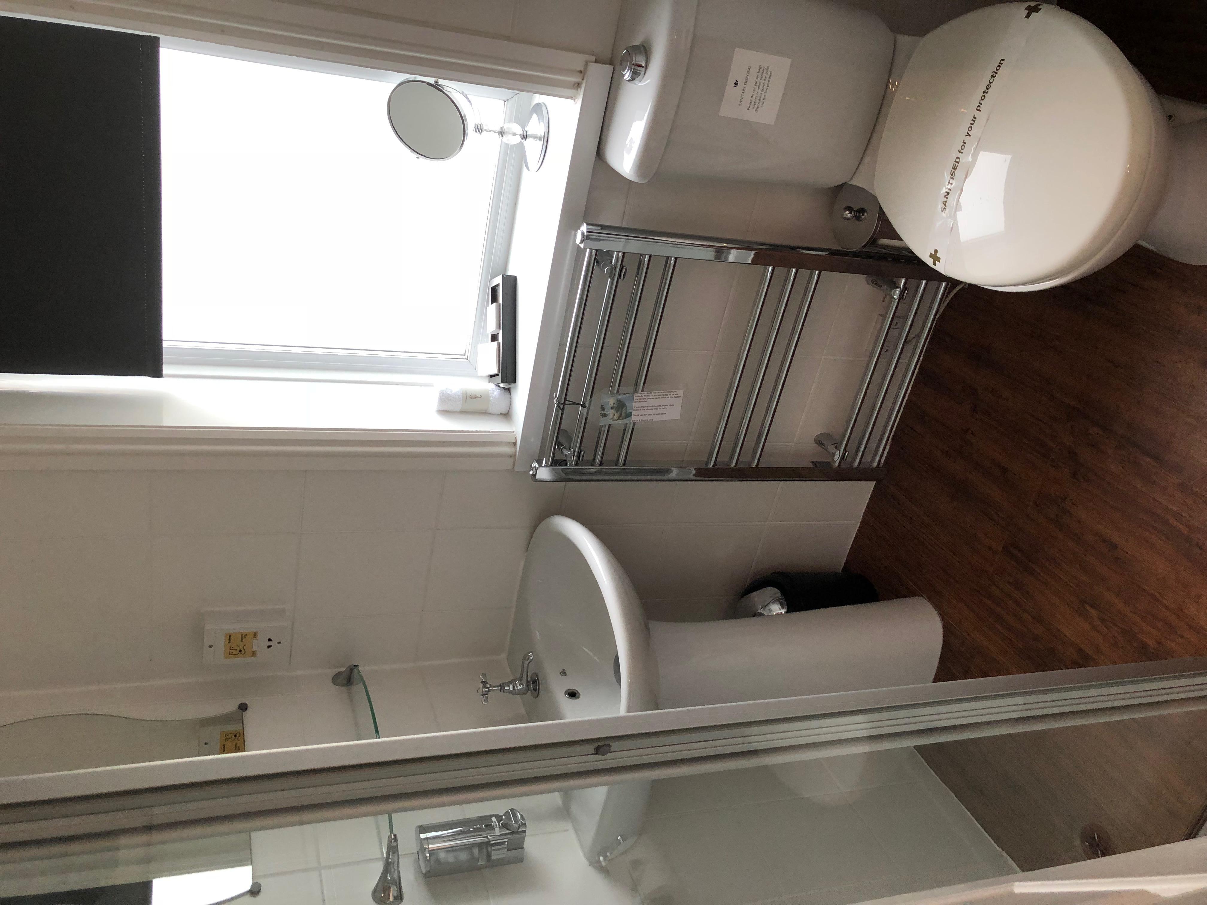 Compact Double En-suite