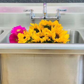Sinkwithflowers.jpg