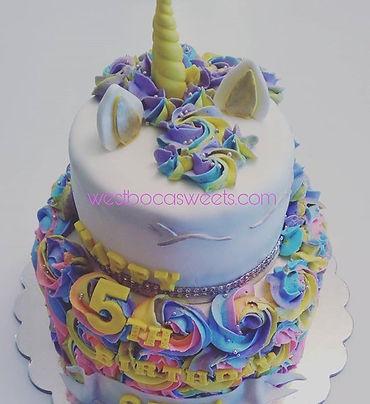Love this beauty! #unicorncake #funfetti