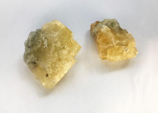 Fluorite jaune.jpg