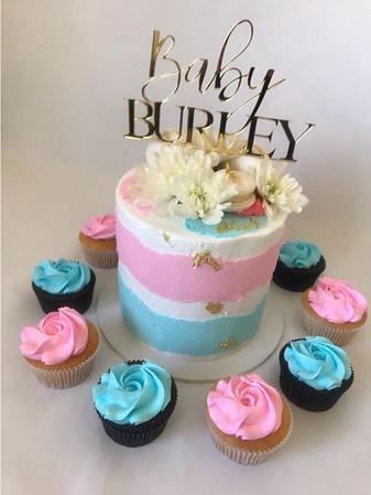 Simply elegant ❤️ This baby shower cake