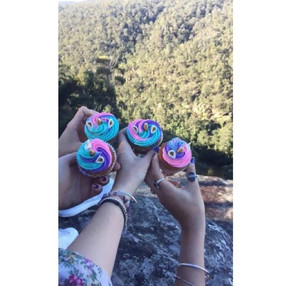 I love seeing pictures of my cupcakes on