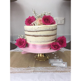 It's a naked cake 🎂😱💝#babyshower #cut