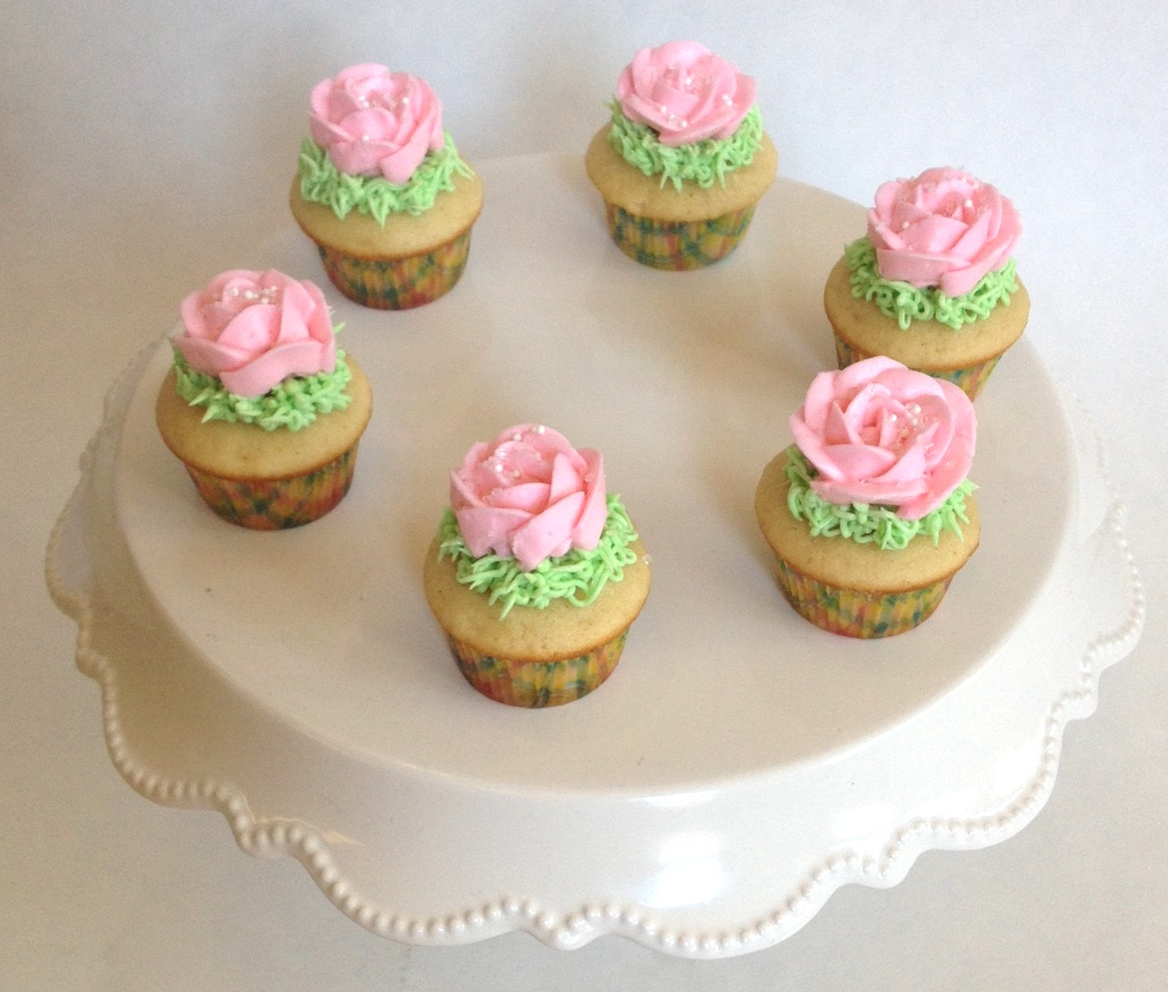 Vanilla Rose Mini Cupcakes