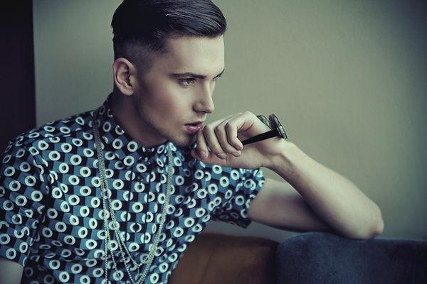 modello di moda maschile