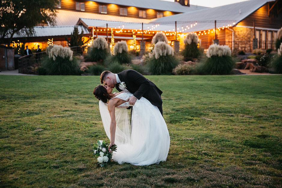 Iowa Wedding Photography, bride and groom white flowers, Special Event, Award winning Photography