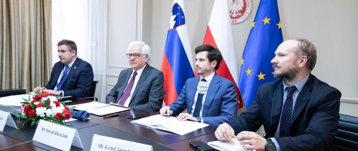 Wideokonferencja ministra Jacka Czaputowicza ze słoweńskim ministrem spraw zagranicznych Anže Logare