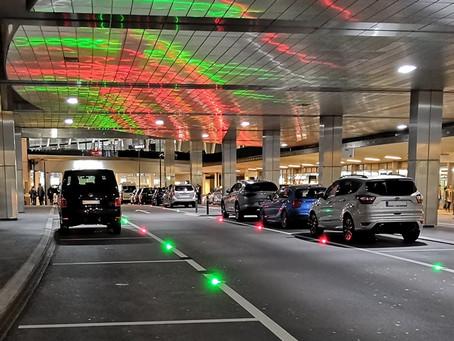 Flughafen Zürich: Parkleitsystem