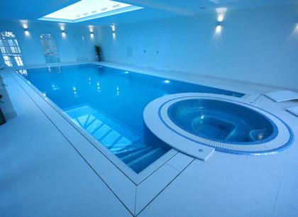 Deck Level Pool & Spa