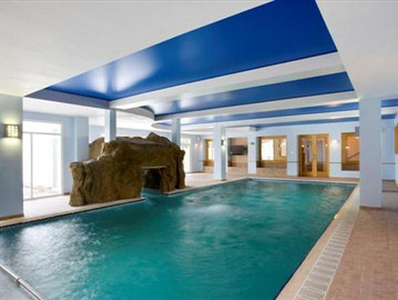 Overflow Pool with Spa Grotto Cave