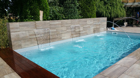 Outdoor Liner Pool with Water Features