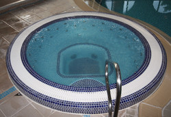 Commercial Overflow Spa with mini hydromassage jets