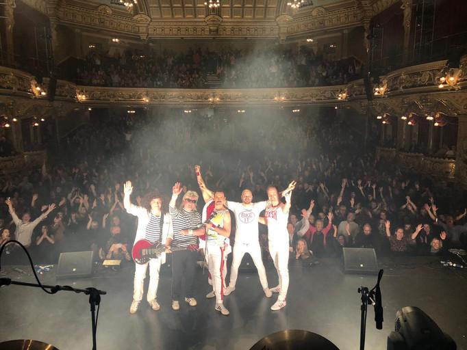 Pure Queen - Theatre Crowd.jpg