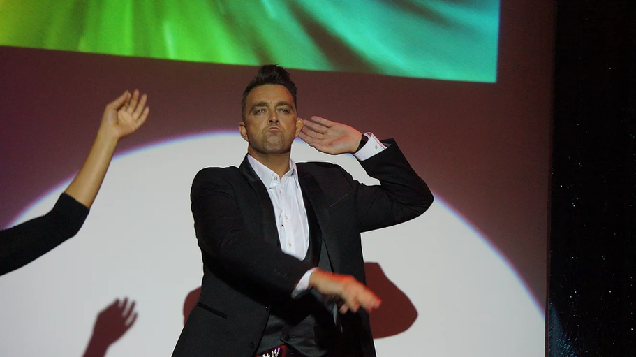 Robbie Williams Tribtue