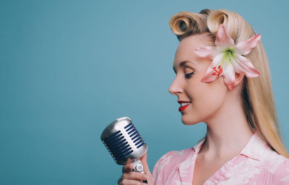 Miss Beth Belle - Singer