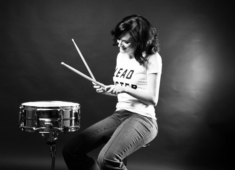 Katy Saxon as Karen on the snare