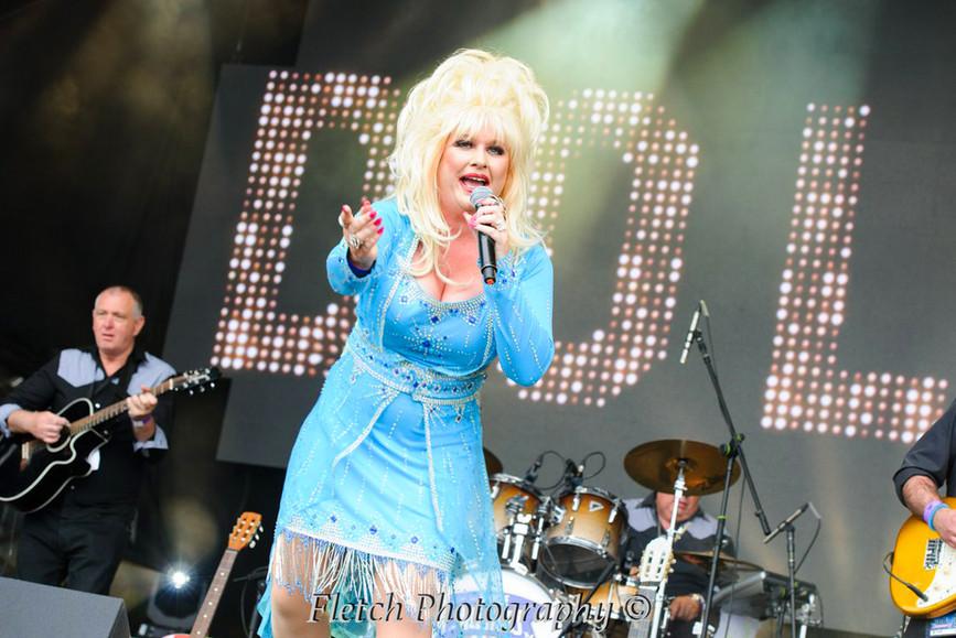 Dolly Glastonbudget 6.jpg
