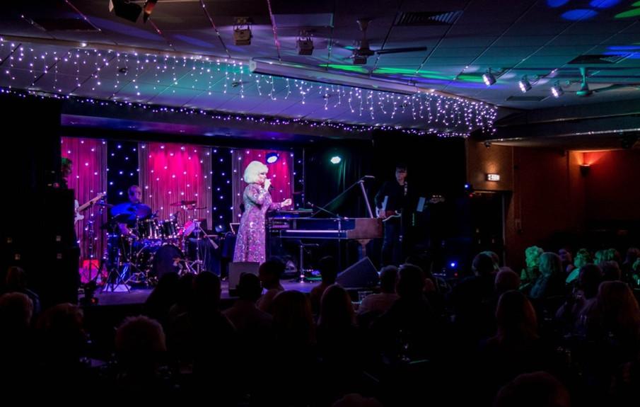 Dusty Springfield tribute act Maxine maz