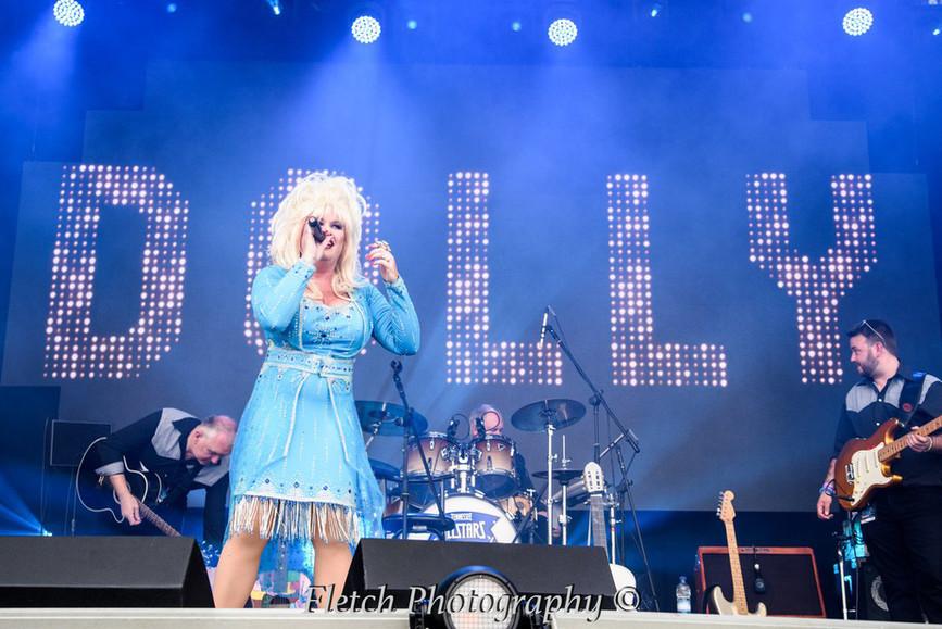 Dolly Glastonbudget 10.jpg